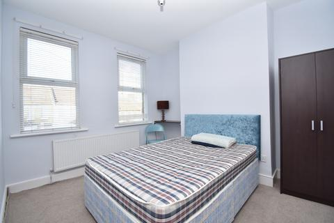 1 bedroom house share to rent - Griffin Road London SE18