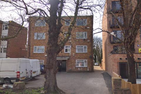 2 bedroom flat to rent - Upper Clapton Road  E5
