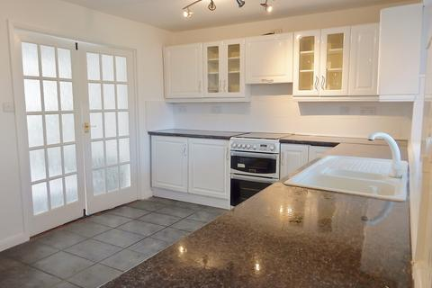 3 bedroom terraced house to rent - Suttons Ave, Hornchurch RM12