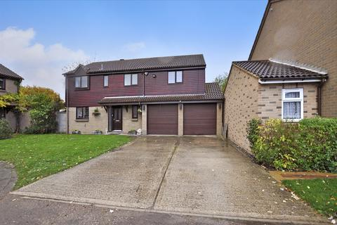 4 bedroom detached house for sale - Bouchers Mead, Chelmsford