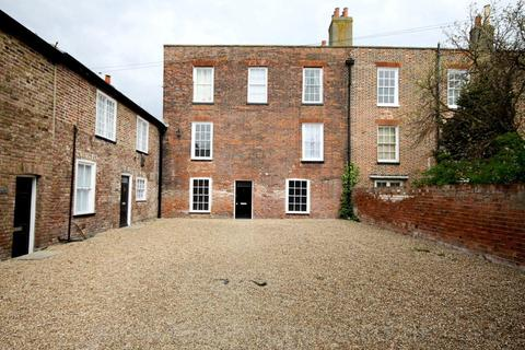 1 bedroom apartment to rent - Rock House,  Marine Parade, Sheerness