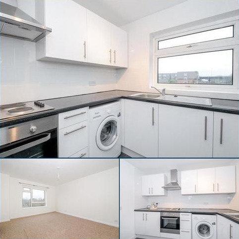 1 bedroom apartment to rent - Stourton Avenue, Hanworth, Feltham, TW13