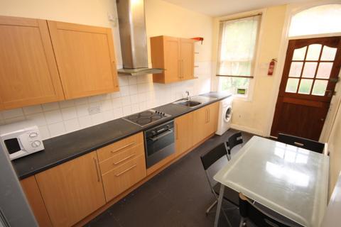 6 bedroom semi-detached house to rent - St Michaels Road, Headingley, Leeds, LS6 3AW