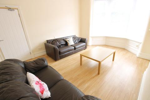 6 bedroom semi-detached house to rent - Headingley Avenue, Headingley, Leeds, LS6 3EP
