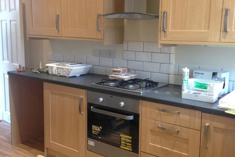 3 bedroom house share to rent - Claude Street, Dunkirk, Nottinghamshire, NG7