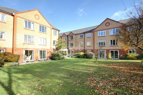 1 bedroom flat for sale - Cranmere Court, Colchester.