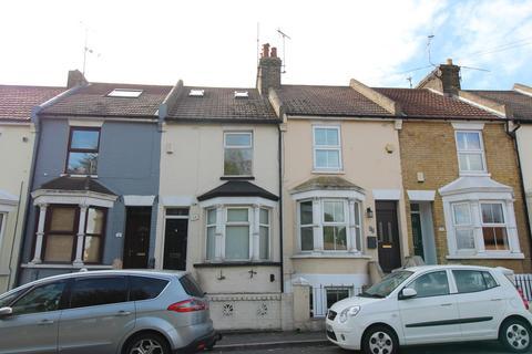 4 bedroom terraced house to rent - Grange Road, Gillingham, Kent, ME7