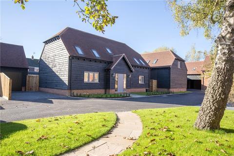 4 bedroom detached house for sale - Burwood Court, Brook End, Weston Turville, Buckinghamshire