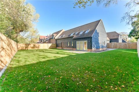 4 bedroom terraced house for sale - Burwood Court, Brook End, Weston Turville, Buckinghamshire, HP22