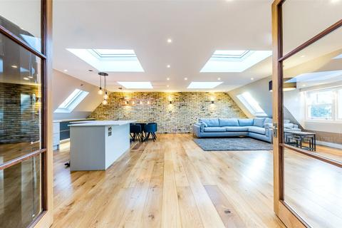 2 bedroom penthouse for sale - Hampstead Lane, Highgate Village, London, N6