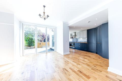 4 bedroom end of terrace house for sale - Blake Road, London, N11