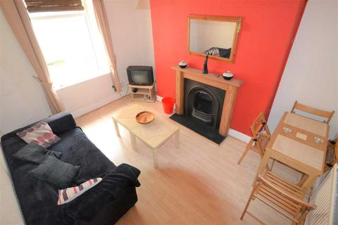 4 bedroom terraced house to rent - Cardiff Road, Pontypridd