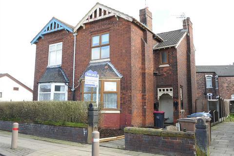 3 bedroom semi-detached house to rent - 59 Liverpool Road, Cadishead M44 5BG