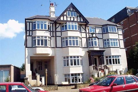 2 bedroom apartment to rent - Westcliff Parade, Westcliff-On-Sea