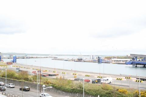 2 bedroom apartment to rent - Holyhead, Anglesey