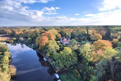 6 bedroom detached house for sale - Bramerton, Norwich