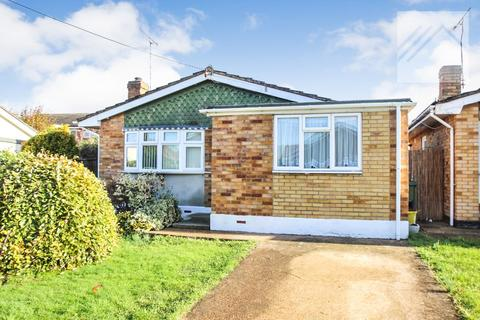 2 bedroom bungalow for sale - Canvey Island