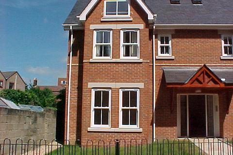 2 bedroom flat to rent - FLAT AT APPROACH ROAD, LOWER PARKSTONE, POOLE, DORSET, BH14 8BH