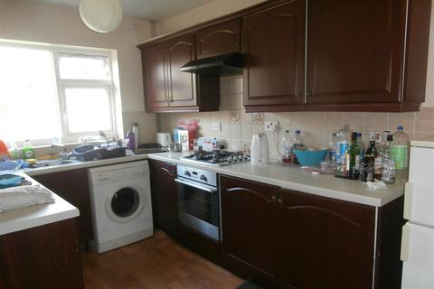 6 bedroom house to rent - Greenhill Road, Leicester