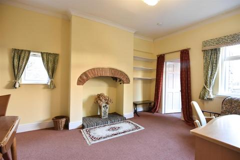 1 bedroom flat to rent - St Saviourgate, York