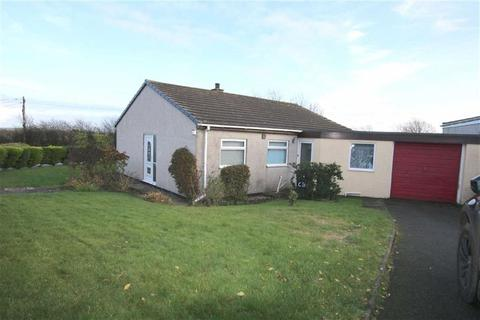 3 bedroom detached bungalow for sale - Cae Bach Aur Estate, Bodffordd, Anglesey, LL77