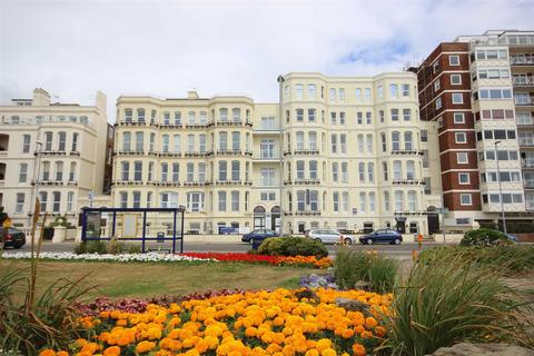 3 bedroom flat to rent - SEAFRONT PENTHOUSE APARTMENT
