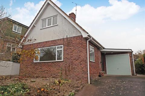 2 bedroom detached bungalow to rent - Dymond Close, Hereford