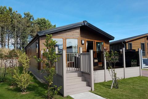 2 bedroom lodge for sale - Hinderwell Lane, Runswick Bay, Yorkshire Coast