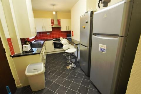 3 bedroom house to rent - Bankfield Avenue