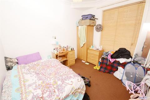4 bedroom house to rent - Kathleen Grove, Manchester