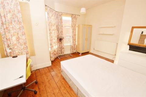 3 bedroom house to rent - Redruth Street, Manchester