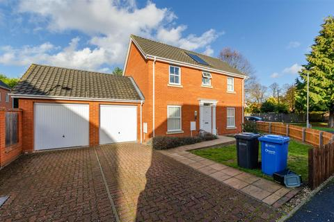 6 bedroom house to rent - Earles Gardens, Norwich