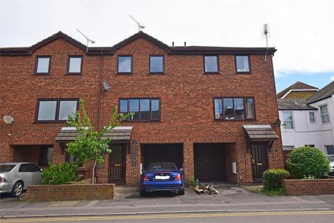 2 bedroom townhouse to rent - Tufton Road, RAINHAM, ME8