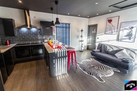 1 bedroom in a house share to rent - Fleet Street, Sandfields , Swansea