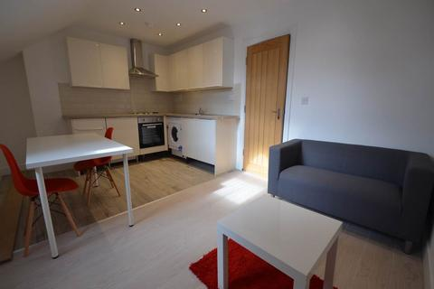 2 bedroom flat to rent - London Road, Leicester,