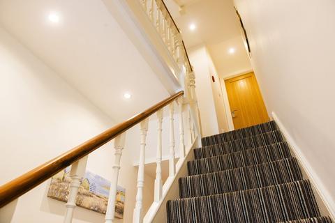 6 bedroom house to rent - Walter Road , , Swansea