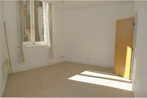 1 bedroom flat to rent - Howgate House, Dewsbury