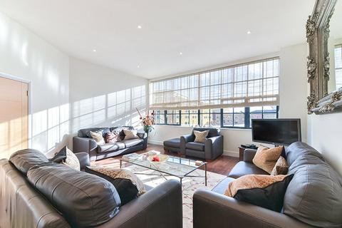 2 bedroom penthouse for sale - Chimney Court, 23 Brewhouse Lane, Wapping, London, E1W