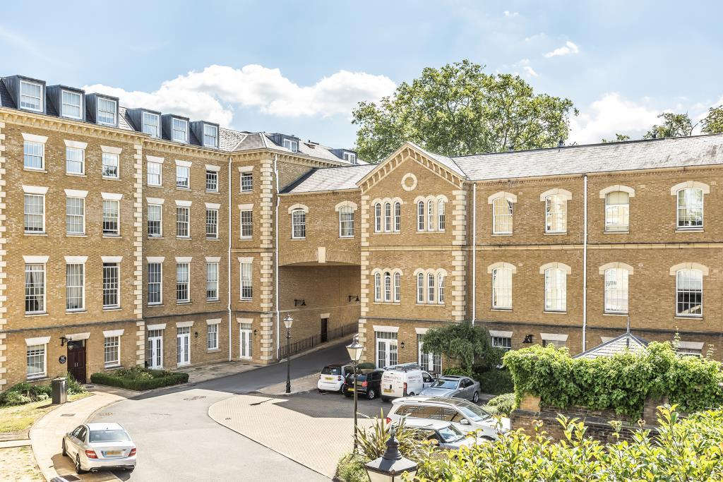 Royal Drive London N48 48 Bed Apartment To Rent £4848 Pcm £48 Pw Fascinating 2 Bedroom Apartments London Ontario Exterior Decoration