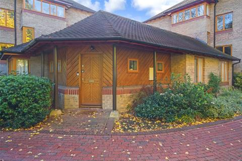 2 bedroom flat for sale - Brooklands Court, Brooklands Avenue, Cambridge