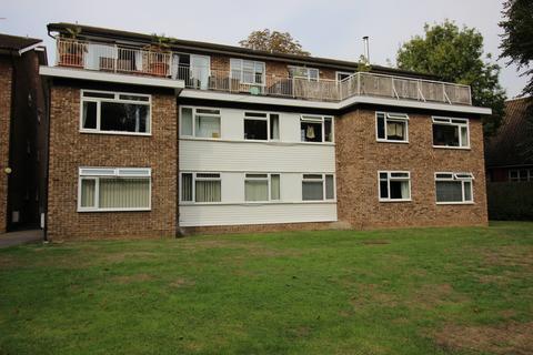 2 bedroom flat to rent - The Avnue, Worcester Park KT4