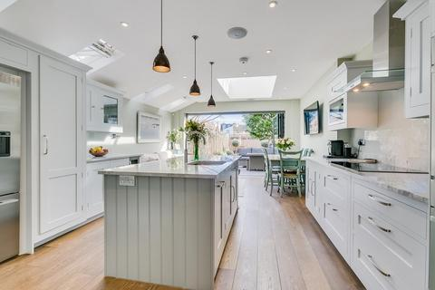4 bedroom terraced house for sale - Astonville Street, Southfields