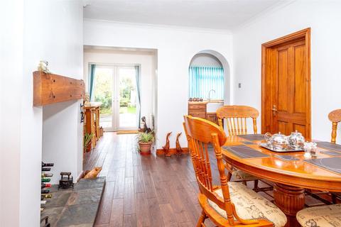 2 bedroom bungalow for sale - Royd Nook, Snaith Road, Pollington, DN14