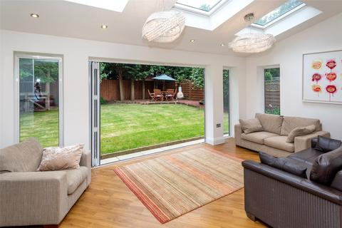 5 bedroom detached house for sale - College Court, Dringhouses, York, YO24