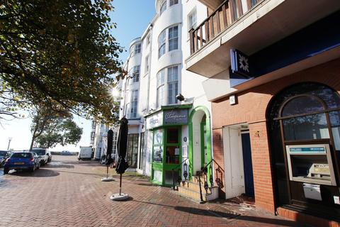 1 bedroom flat to rent - Montague Place, BN11