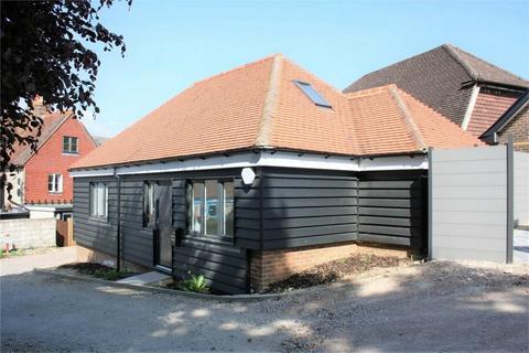 2 bedroom detached bungalow for sale - Gardner Street, HERSTMONCEUX, East Sussex