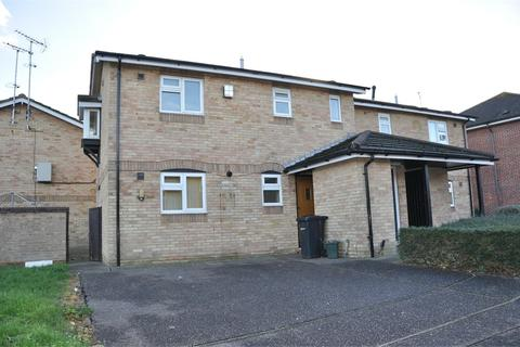 1 bedroom ground floor maisonette to rent - Tennyson Road, Chelmsford, Essex