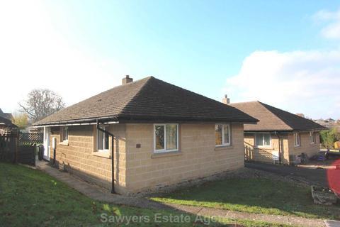 2 bedroom detached bungalow for sale - Gardeners Way, Kings Stanley