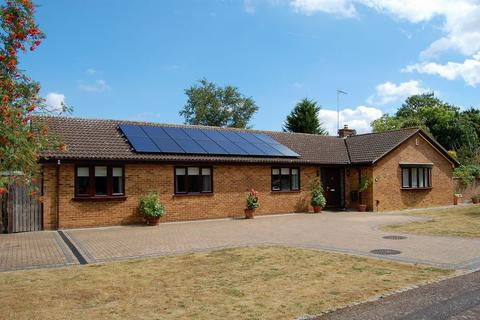 4 bedroom detached bungalow for sale - Heronsford, West Hunsbury, Northampton NN4 9XG