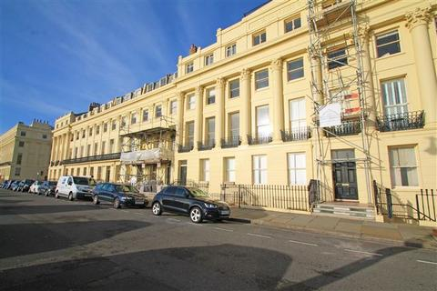 3 bedroom flat for sale - Brunswick Terrace, Hove